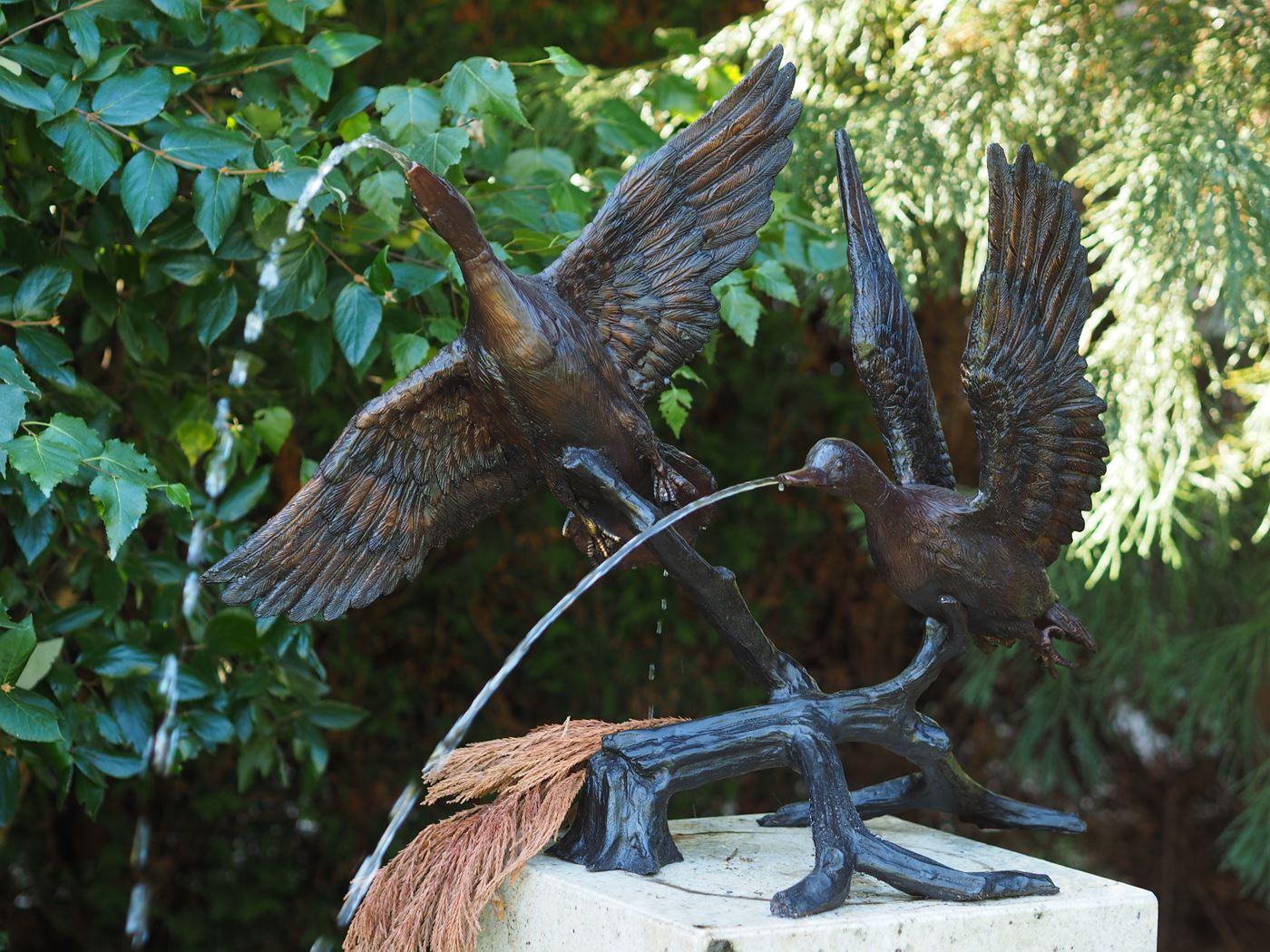 bronzen beeld - 2 eenden fontein
