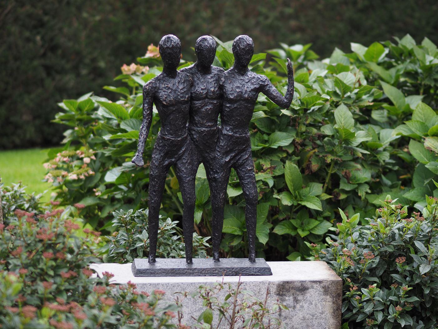 bronzen beeld - 3 mannen modern