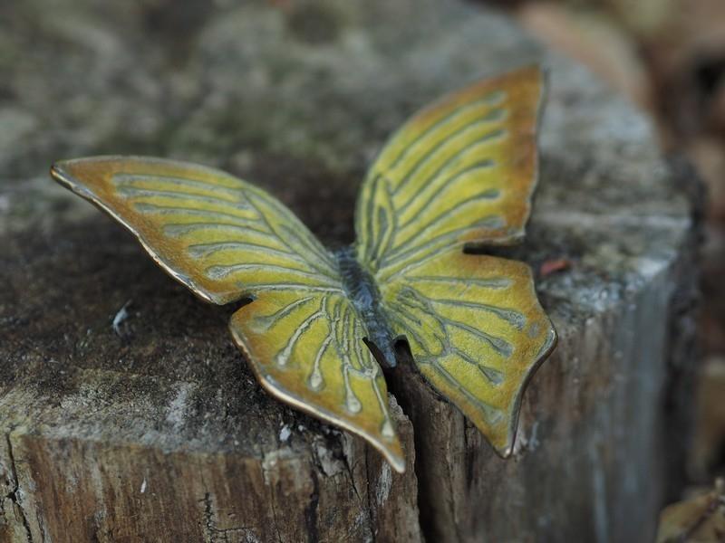 bronzen beeld - gele vlinder hot patina