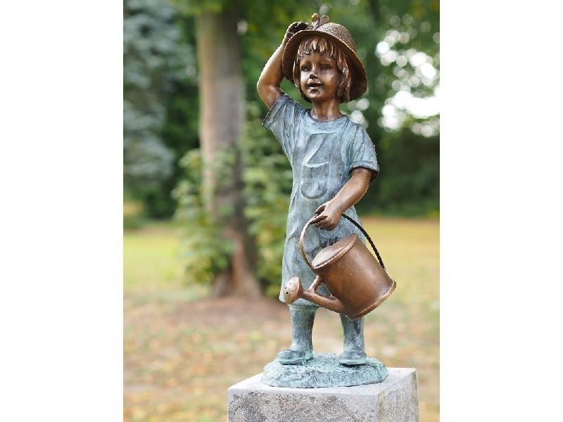 bronzen beeld - meisje met gieter