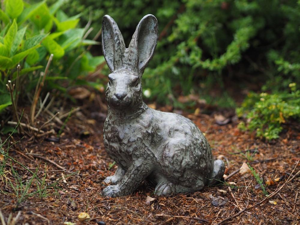 bronzen beeld - staand konijn