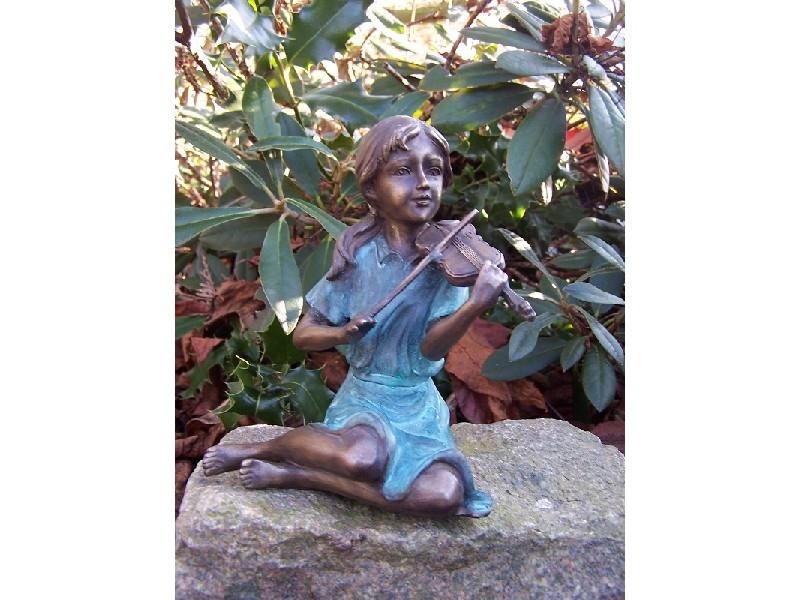 bronzen beeld - vioolspeelster