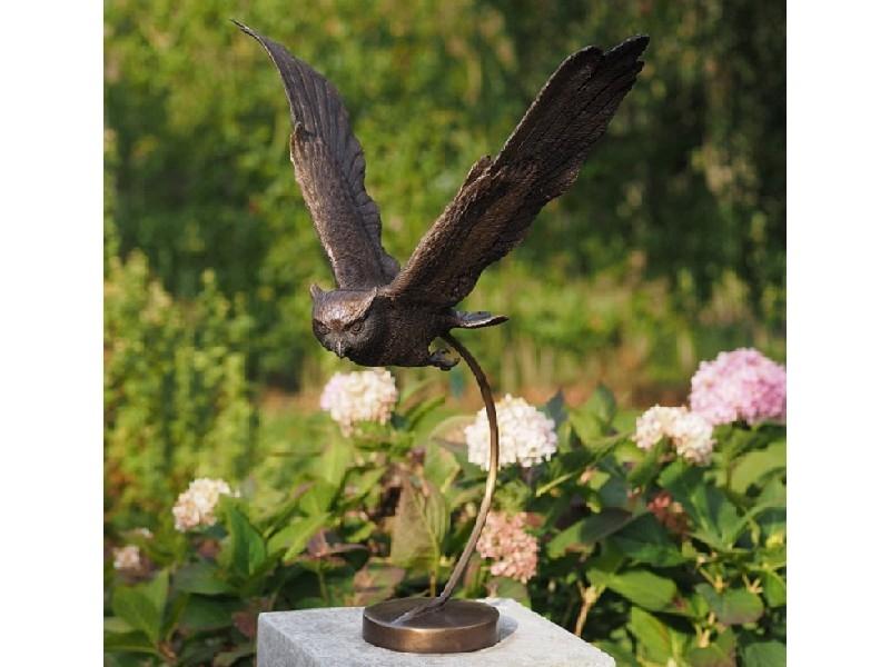 bronzen beeld - vliegende uil