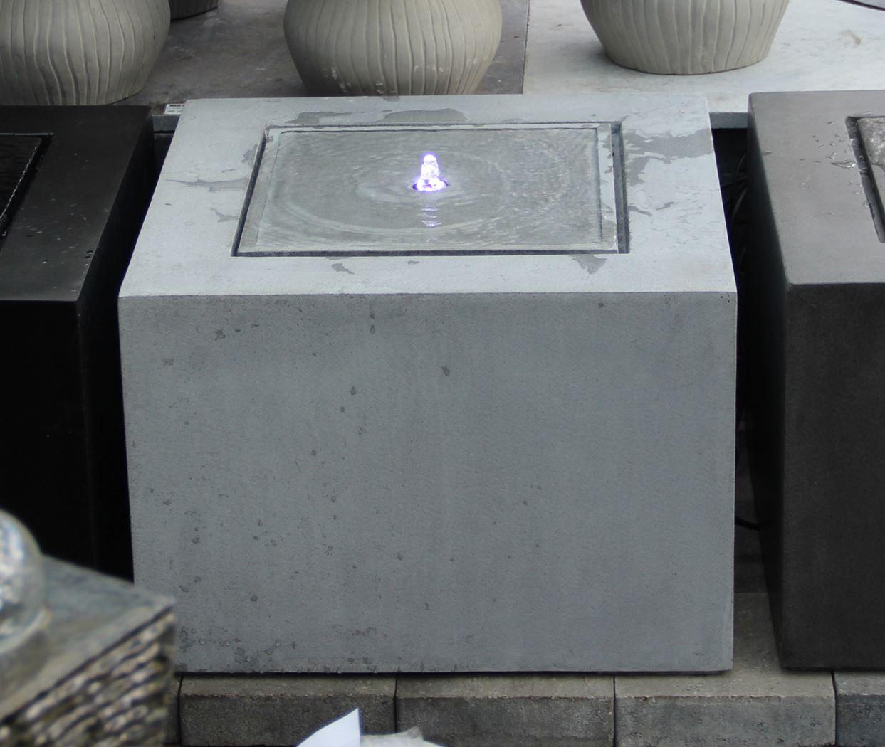 fontein fiberstone kubus licht grijs