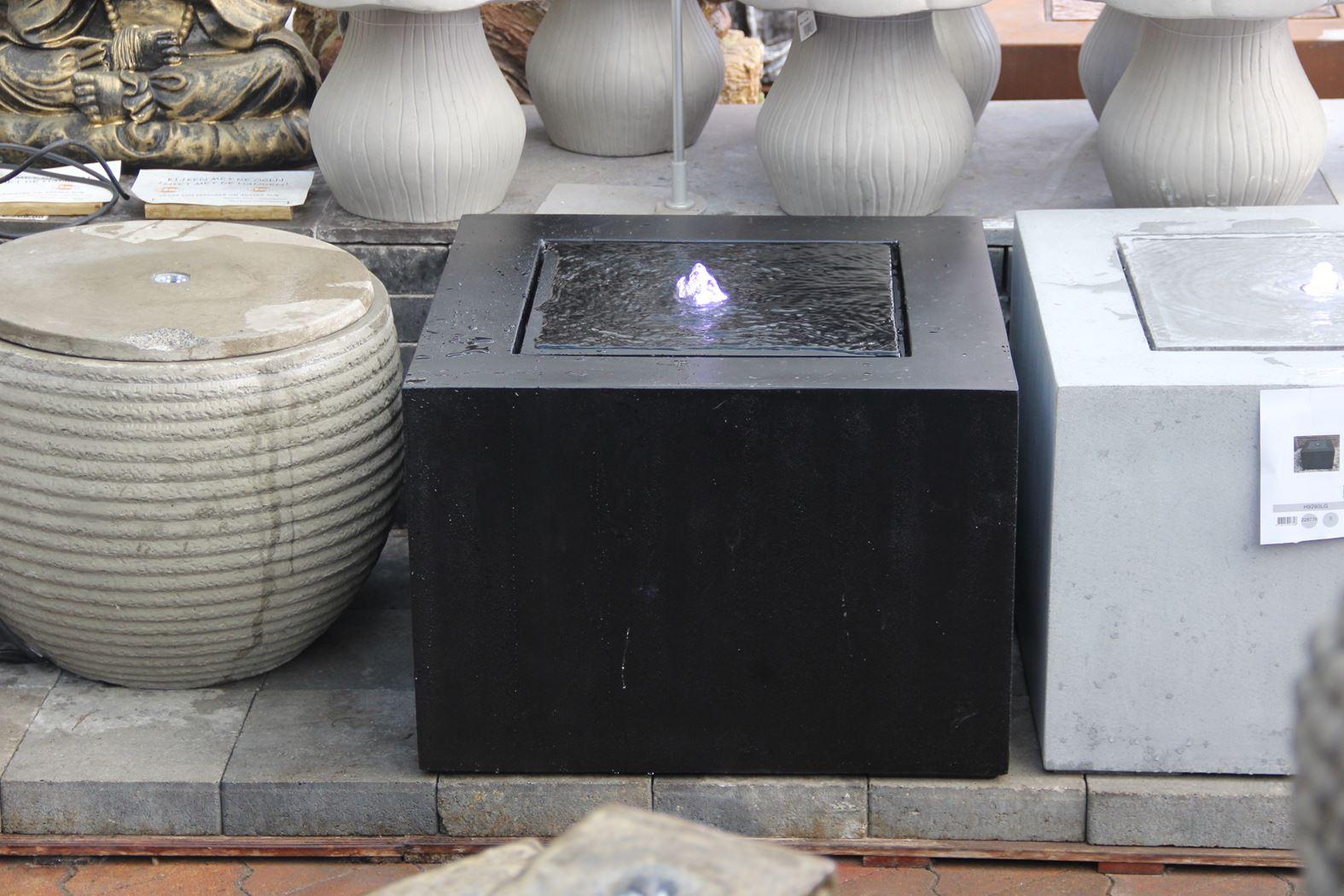 fontein fiberstone kubus zwart