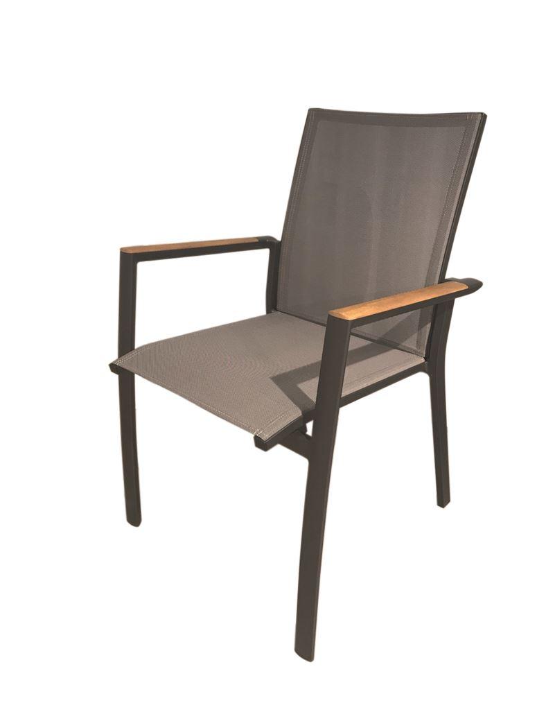 gescova getafe stacking chair alu cha tex silv gr teak arm
