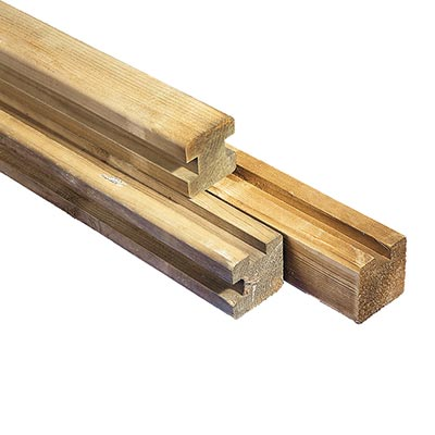 grenen paal vierkant met groeven (hoek)