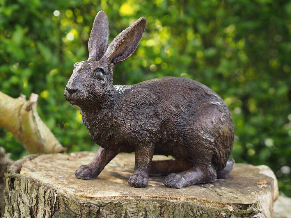 bronzen beeld - konijn