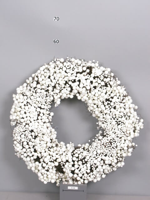 nn large foam berry wreath cream