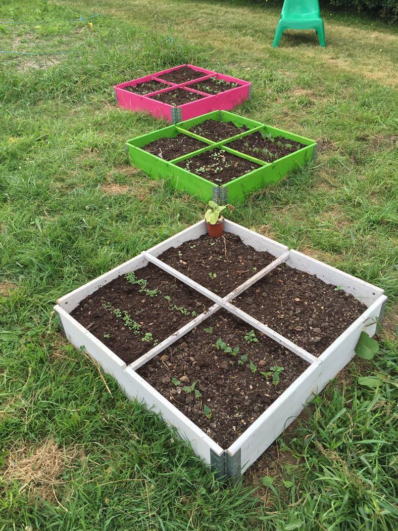 vierkante moestuin appelgroen met scharnieren en geotextiel
