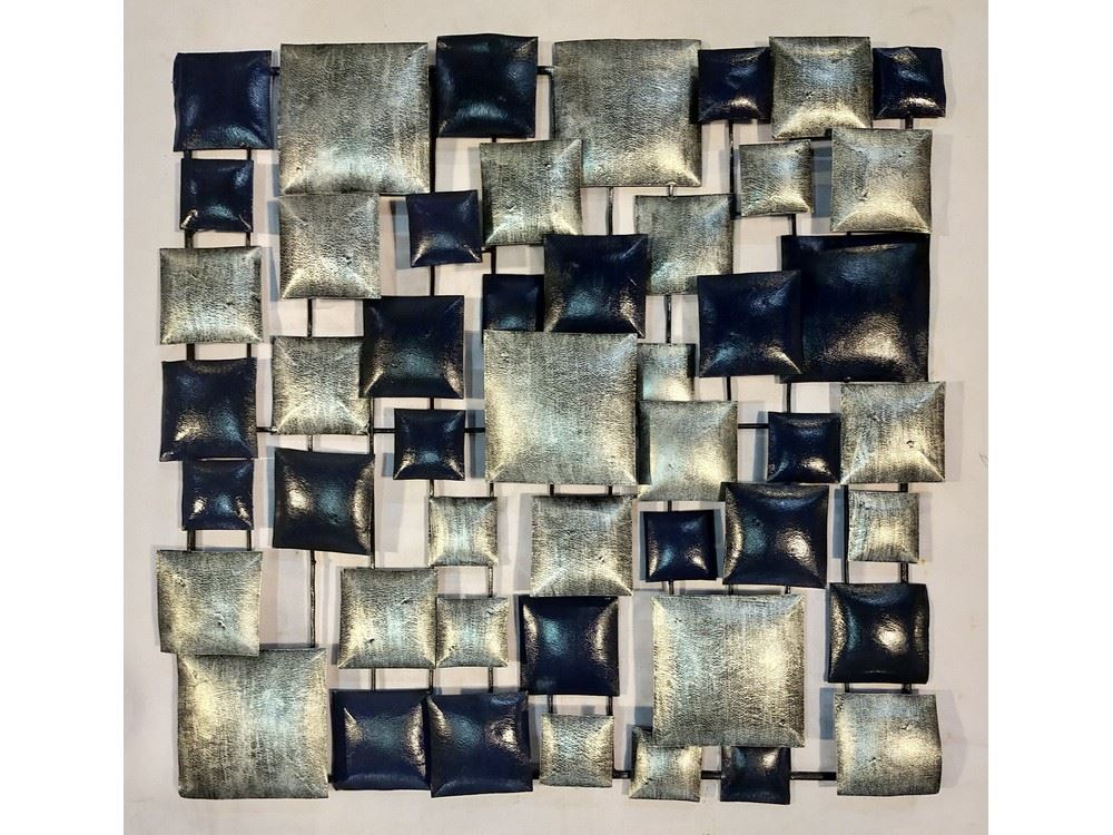 wall deco silver and blue