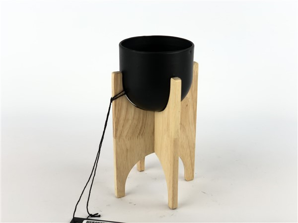 zink pot in wooden frame black
